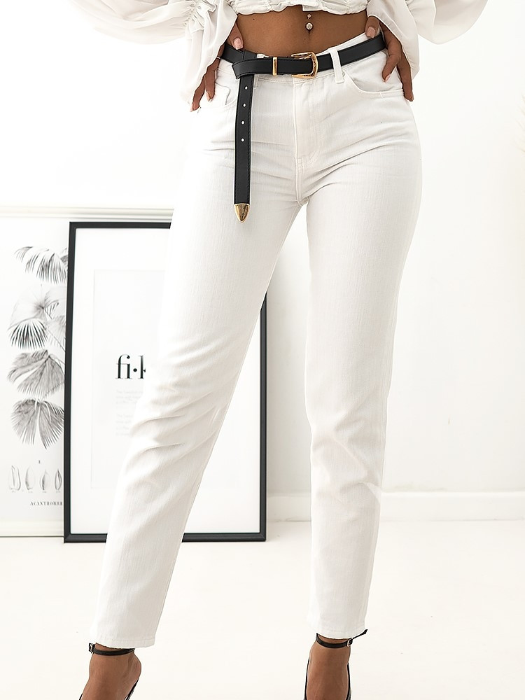 MEGAN WHITE MOM FIT JEANS