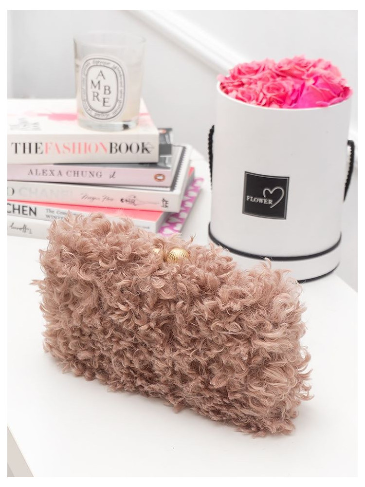 CURLY PINK CLUTCH