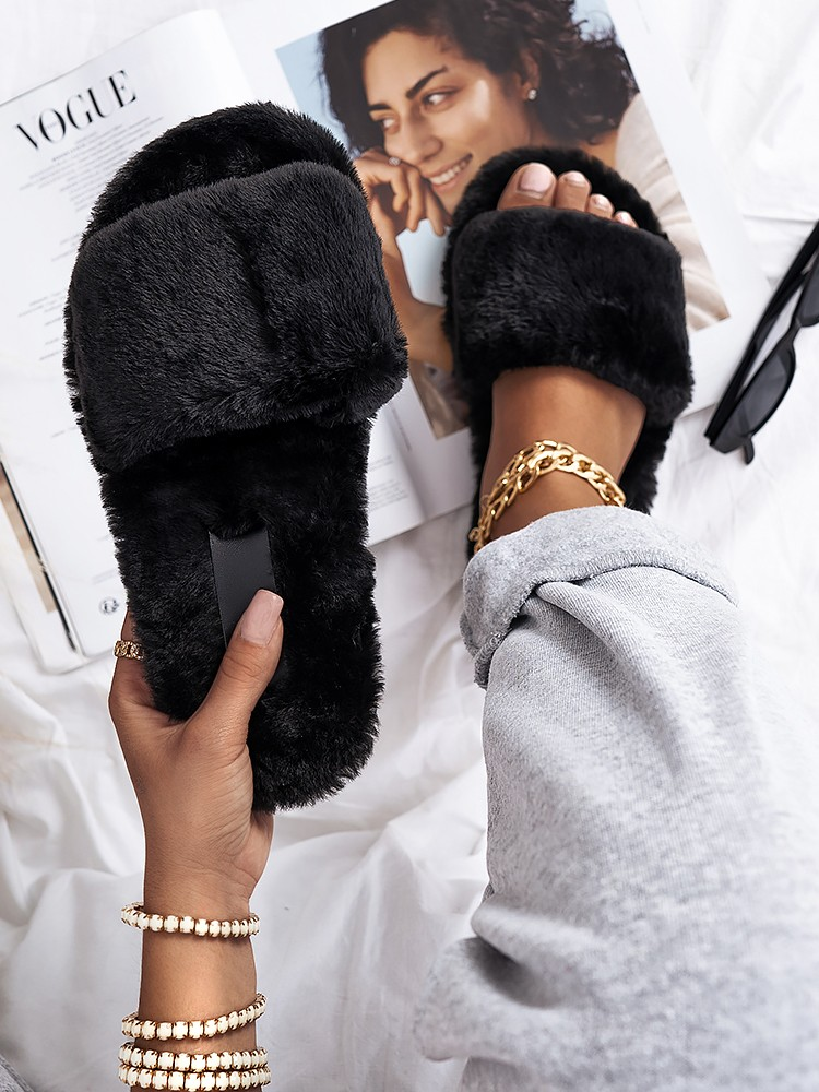 SOFTY BLACK FUR SLIPPERS