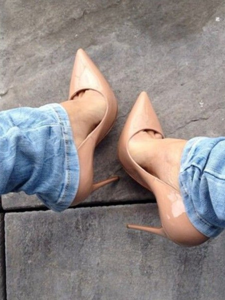 NUDE VERNIS PUMPS