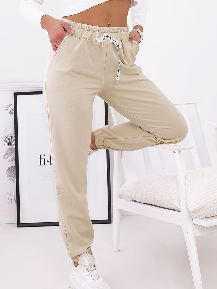 MALIKA BEIGE SWEATPANTS