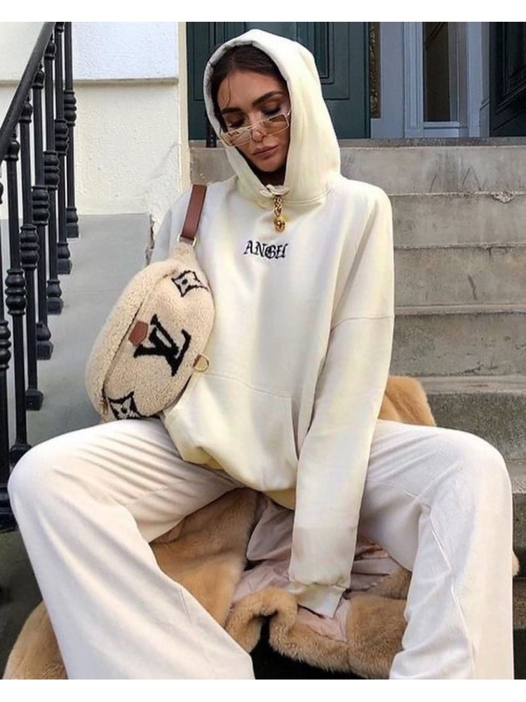 ANGEL CREAM SWEATSHIRT
