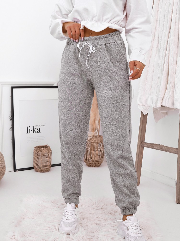 MALIKA GREY SWEATPANTS