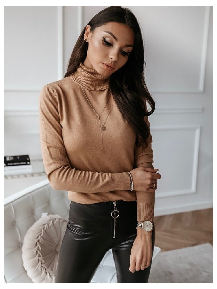 TRISHA BEIGE TURTLENECK
