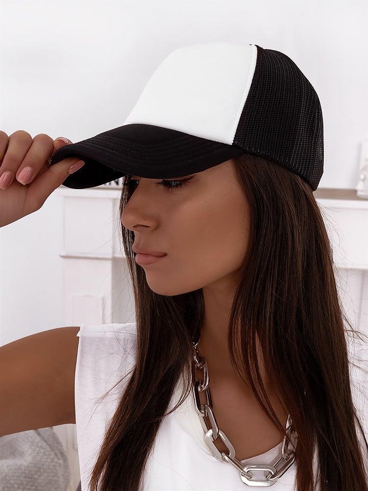 TRUCKER HAT BLACK & WHITE