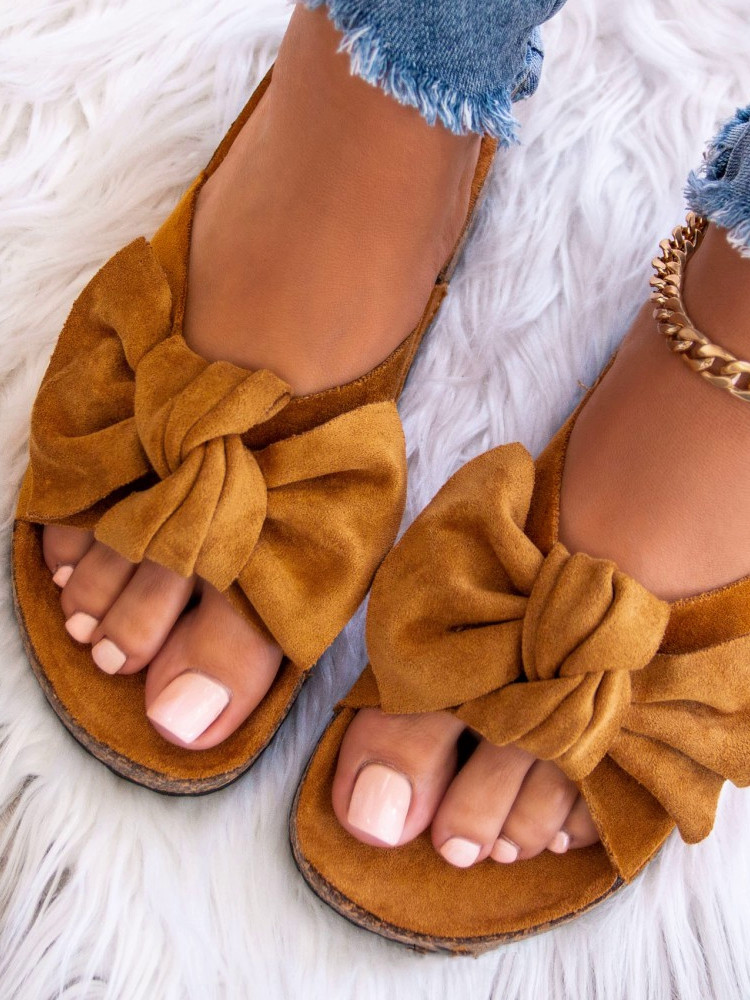 CAMEL SUEDE BOW SLIPPERS