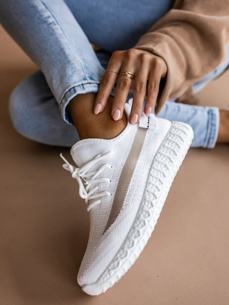 RUNNER WHITE SNEAKERS
