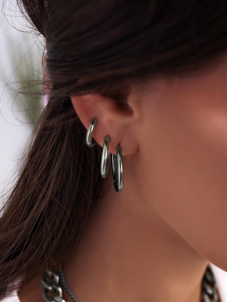 CALLIE SILVER HOOP EARRINGS