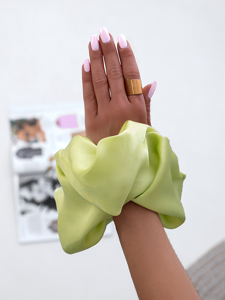 XL SATIN LIME SCRUNCH
