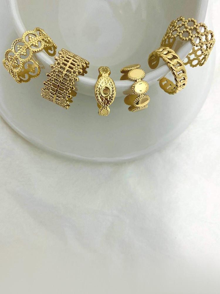 CODY GOLD RINGS