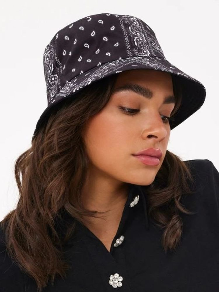 MACA BLACK BUCKET HAT