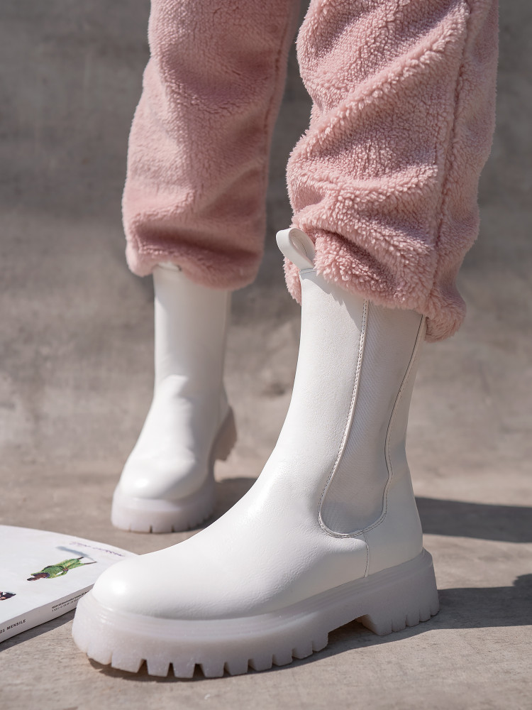CASH WHITE BOOTIES