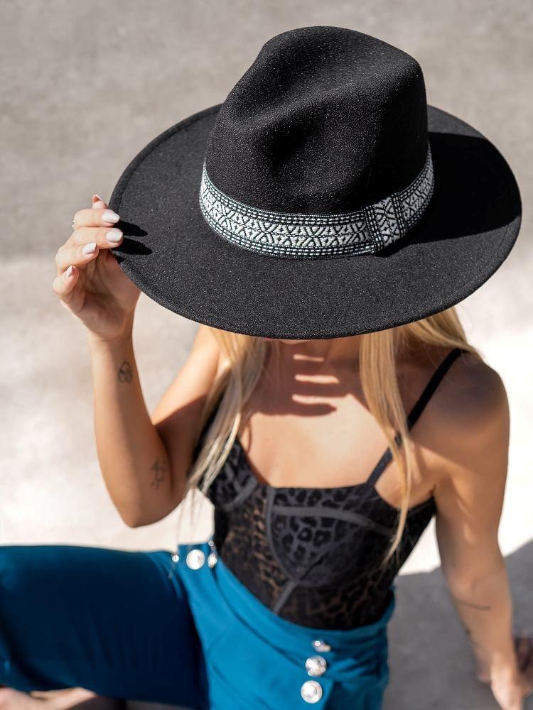 DANA BLACK HAT