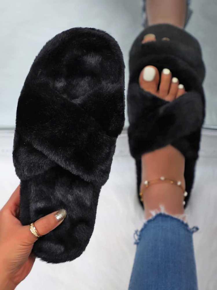 MATEN BLACK SLIPPERS